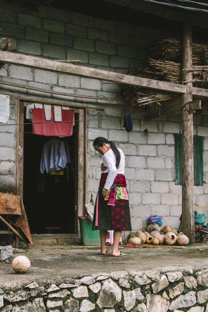 ベトナムハザン省(Ha Giang)少数民族の美しい民族衣装。