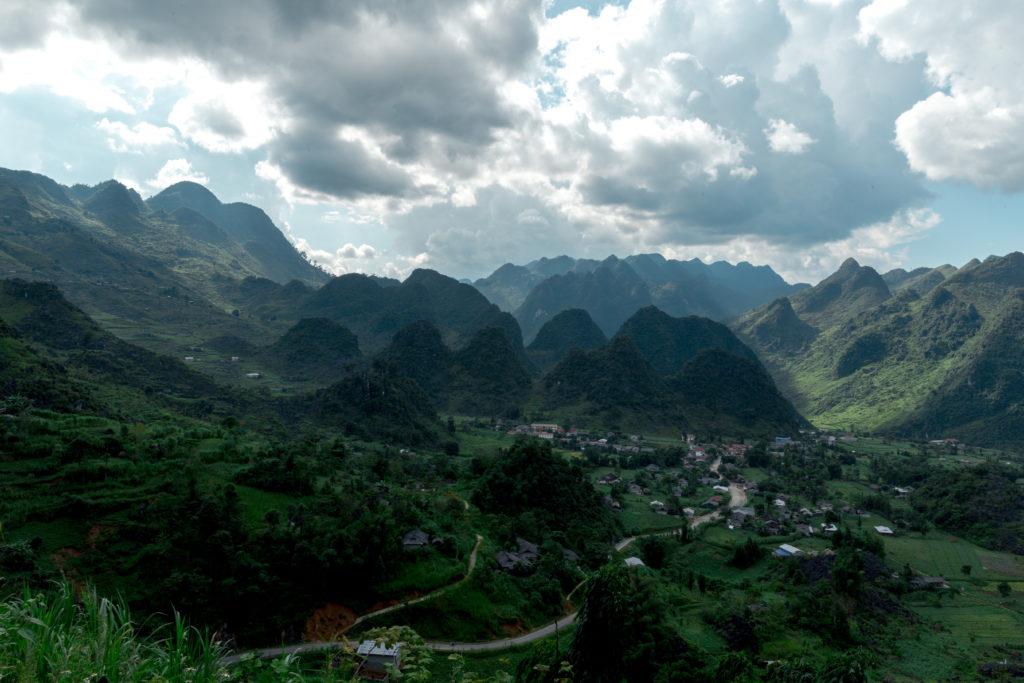 ベトナムハザンループとは?回り方、宿、絶景スポットの紹介。