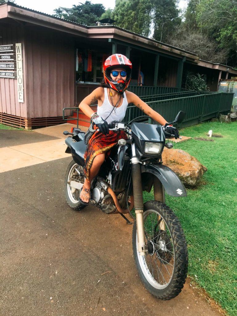 ハワイではレンタルバイクも楽しい。