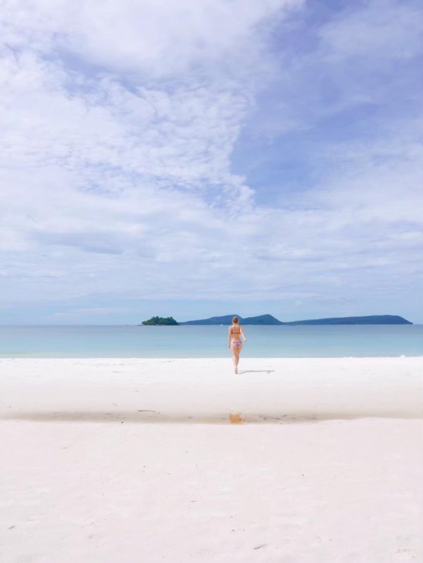 カンボジアのリゾート地。雨季のロン島。